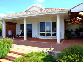 Close Encounters Bed and Breakfast - Accommodation Great Ocean Road