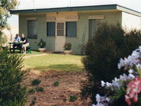 Oaklands Fishing Cottage - Accommodation Great Ocean Road