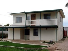 Louth Bay Holiday Apartment - Accommodation Great Ocean Road