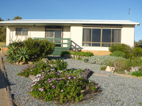 Oaklands Beach House - Accommodation Great Ocean Road