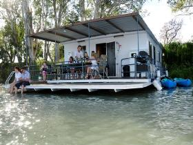 The Murray Dream Self Contained Moored Houseboat - Accommodation Great Ocean Road