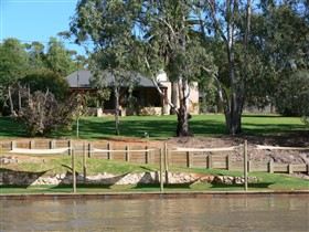 Roonka Riverfront Cottages - Accommodation Great Ocean Road