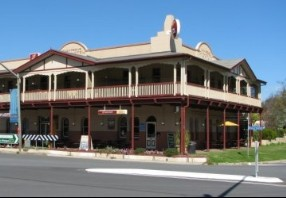 The Royal Hotel Adelong