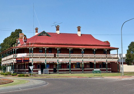 The New Coolamon Hotel - Accommodation Great Ocean Road