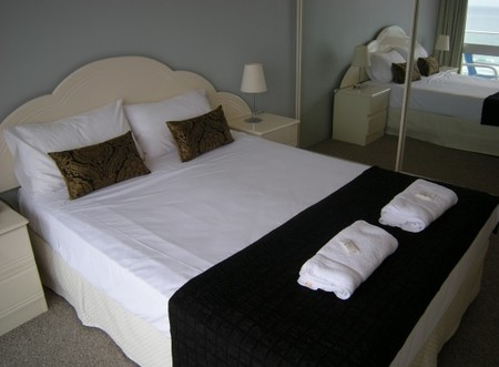 Pacific Regis Beachfront Apartments - Accommodation Great Ocean Road