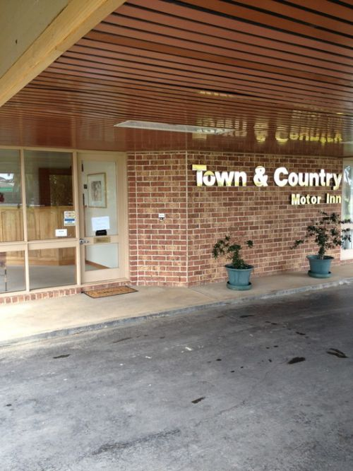 Town amp Country Motor Inn Forbes - Accommodation Great Ocean Road