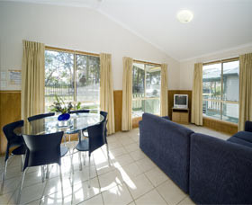Swan Lake Holiday Park - Accommodation Great Ocean Road