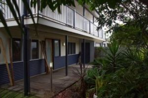 Moffat Beach Pet Friendly Holiday House - Accommodation Great Ocean Road