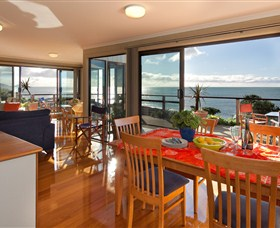 Boat Harbour Beach House - The Waterfront - Accommodation Great Ocean Road
