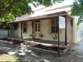 Greenock's Old Telegraph Station - Accommodation Great Ocean Road