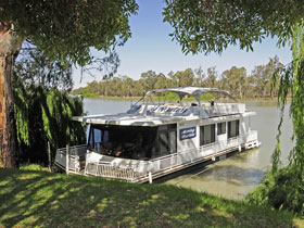 Boats and Bedzzz - The Murray Dream self-contained moored Houseboat - Accommodation Great Ocean Road
