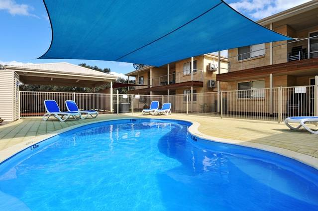 Lakeside Holiday Apartments - Accommodation Great Ocean Road
