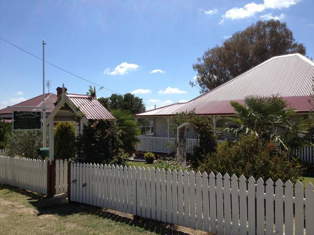 Tenterfield Luxury Historic c1895 Cottage - Accommodation Great Ocean Road