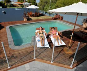 Waikiki Beach Bed and Breakfast - Accommodation Great Ocean Road