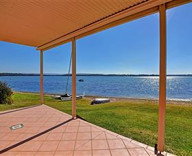 Luxury Waterfront House - Accommodation Great Ocean Road