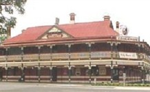 The New Coolamon Hotel - Coolamon - Accommodation Great Ocean Road