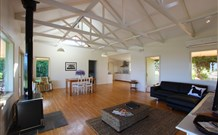 Yellow Dog Cottage - - Accommodation Great Ocean Road