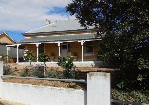 Book Keepers Cottage Waikerie - Accommodation Great Ocean Road