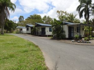 Tropicana Caravan Park Sarina - Accommodation Great Ocean Road