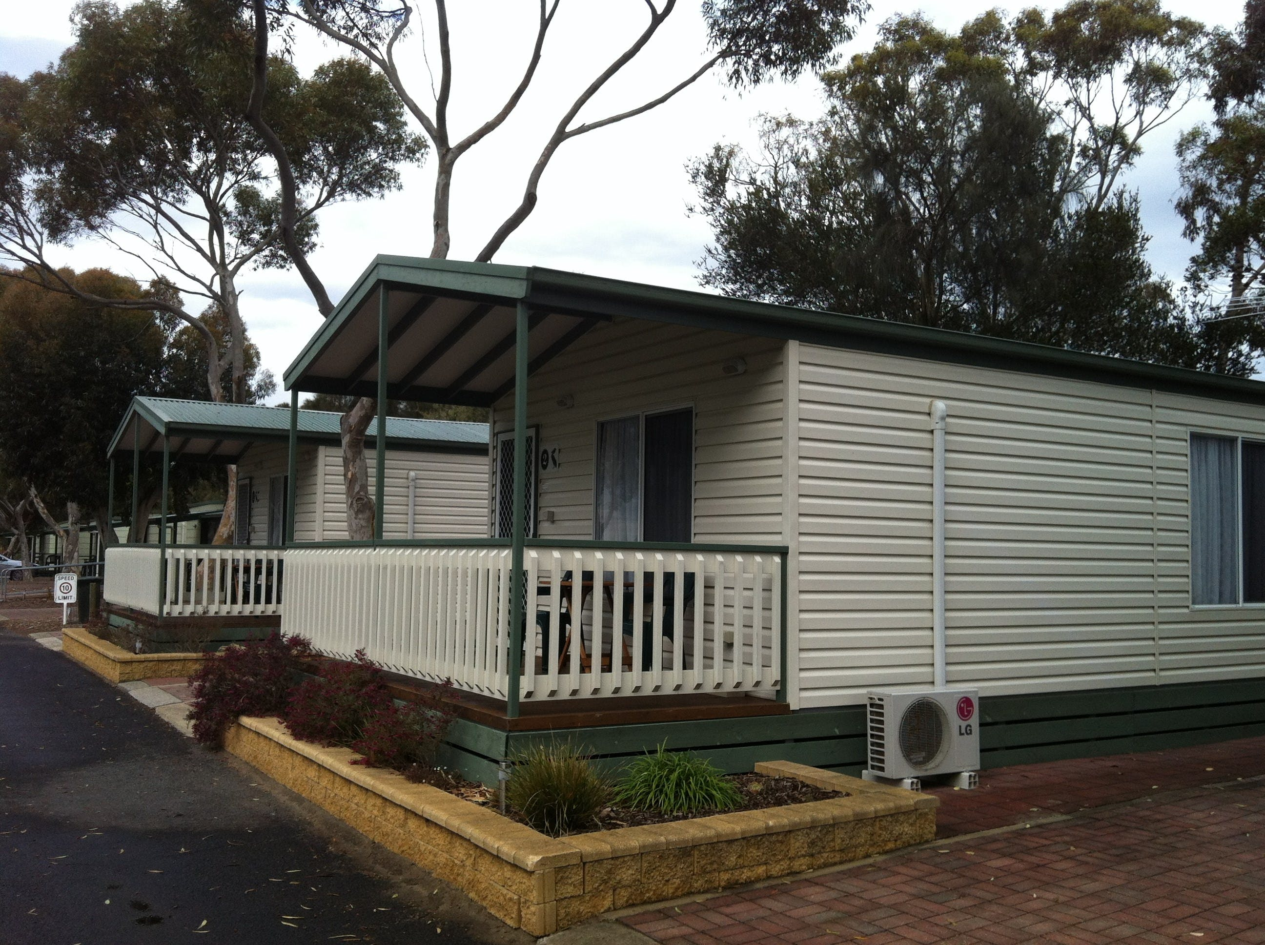 Lake Albert Caravan Park Meningie SA - Accommodation Great Ocean Road