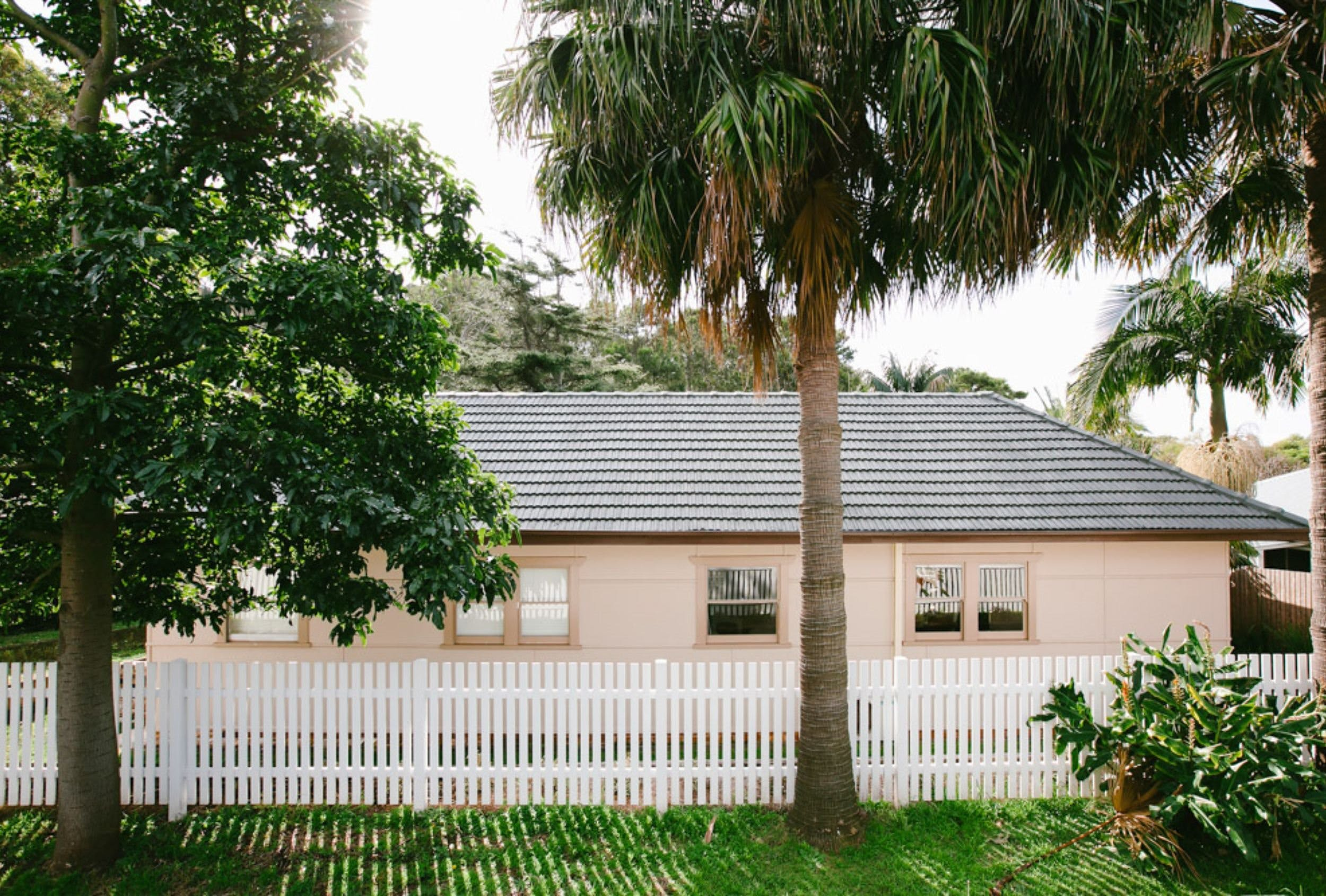 The Palm Cottage at Coledale Beach - Accommodation Great Ocean Road