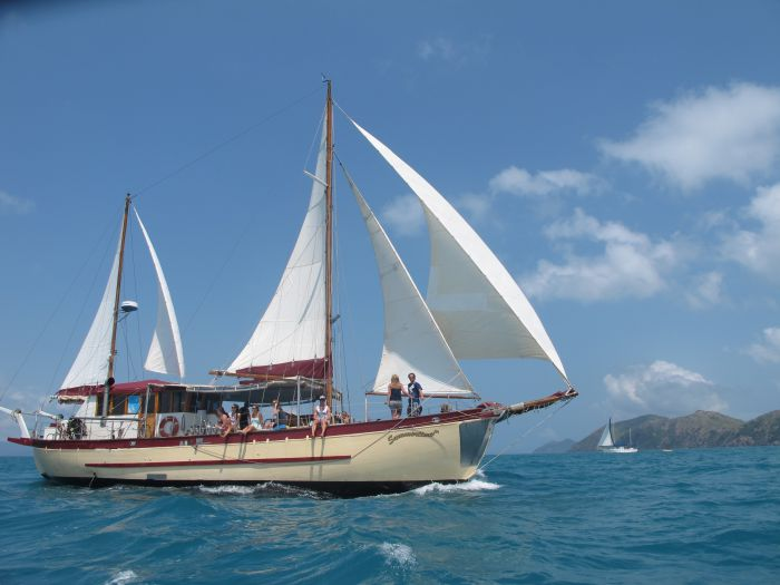Adventure Cruise Dive and Outer Reef - Whitsundays Sailing Adventures - Accommodation Great Ocean Road