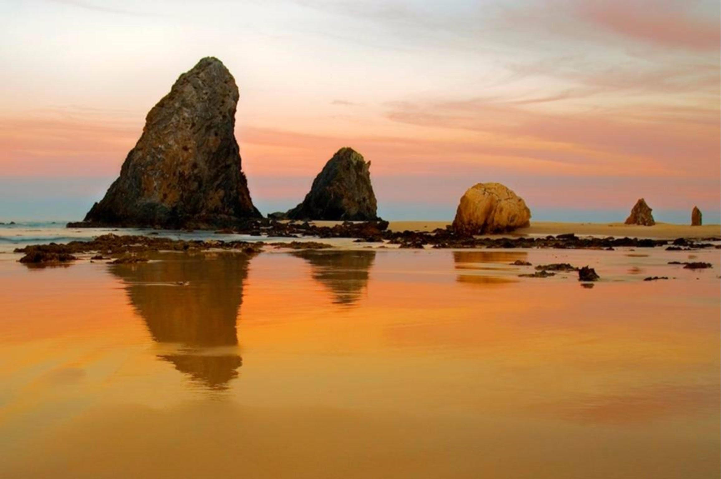 Glasshouse Rocks and Pillow Lava - Accommodation Great Ocean Road