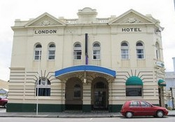The London Hotel - Accommodation Great Ocean Road