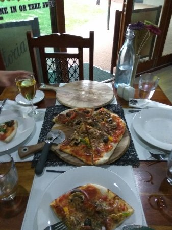 Eildon Woodfire Pizza - Accommodation Great Ocean Road