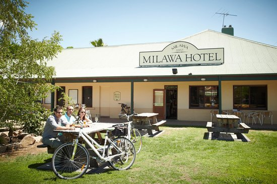 Milawa Commercial Hotel Restaurant - Accommodation Great Ocean Road