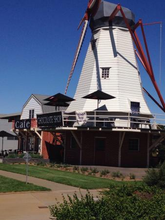 The Windmill Chocolate Shop  Cafe - Accommodation Great Ocean Road