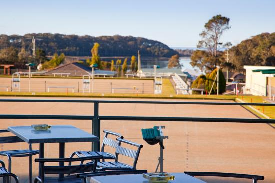 Lake View Grill  Club Dalmeny - Accommodation Great Ocean Road