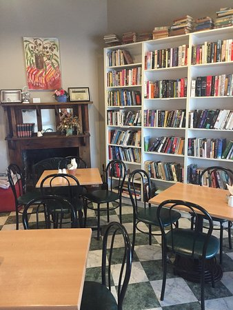 Chrissie's Book Lounge  Cafe - Accommodation Great Ocean Road