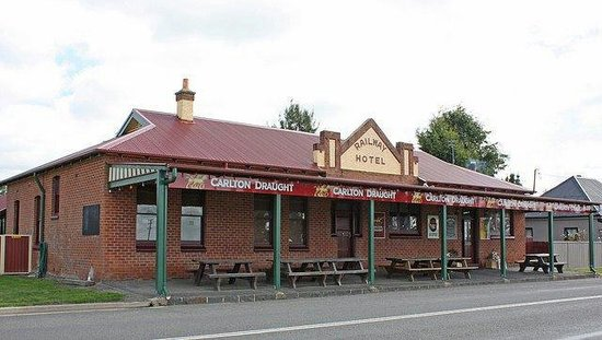 Railway Hotel - Accommodation Great Ocean Road
