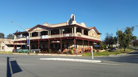 The Royal Hotel - Accommodation Great Ocean Road