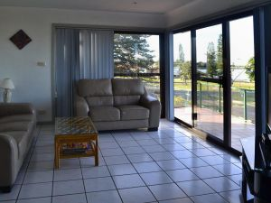 Oxley 8 at Tuncurry - Accommodation Great Ocean Road