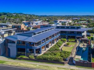 Lennox Holiday Apartments - Accommodation Great Ocean Road
