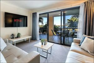 Gold Coast Apartment At Sandcastles On Broadwater - Accommodation Great Ocean Road
