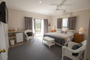 Batemans Bay Manor - Bed and Breakfast - Accommodation Great Ocean Road